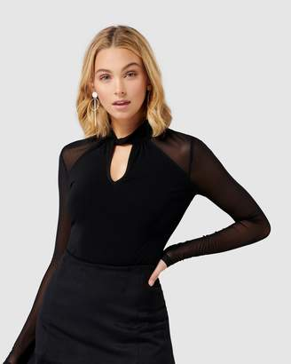 Forever New Ruby Twist Neck Key Hole PM Top