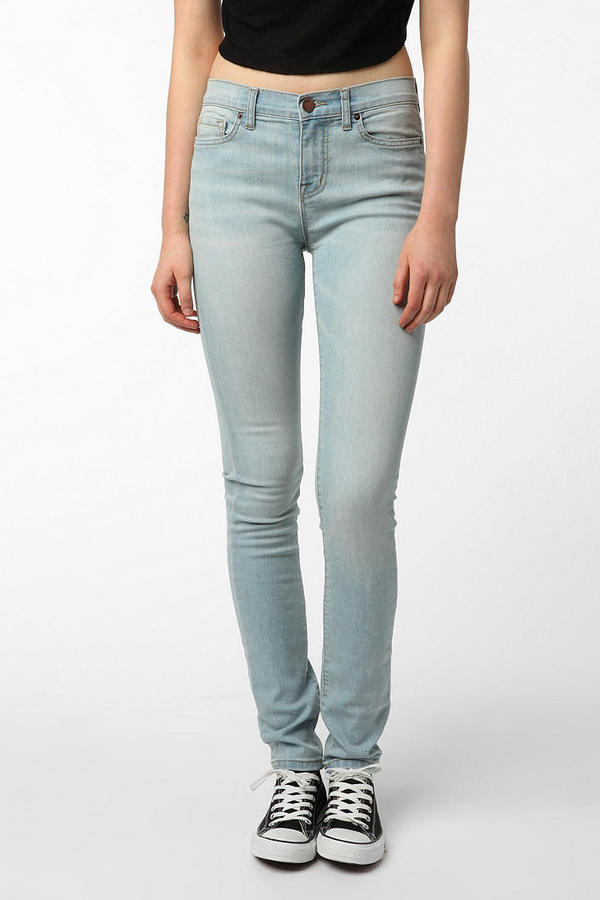 BDG Cigarette High-Rise Jean - Light Blue