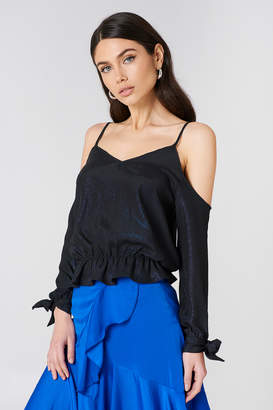 Na Kd Party Cold Shoulder Knot Glitter Top