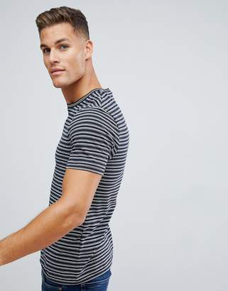 Celio Crew Neck T-Shirt In Stripe With Tipped Collar