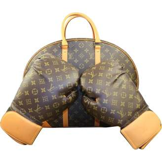 Louis Vuitton Brown Fitness