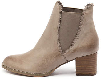Django & Juliette Sadore Dark tan Boots Womens Shoes Dress Ankle Boots