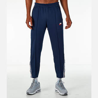 Nike Men's Sportswear AM Taped Track Pants