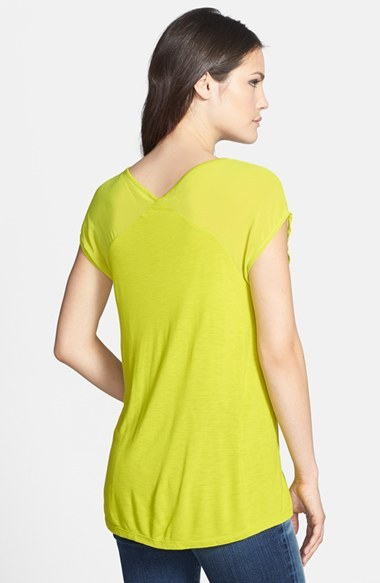 Vince Camuto Two by V-Neck Short Sleeve Tee