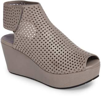 Chocolat Blu Wing Perforated Platform Wedge