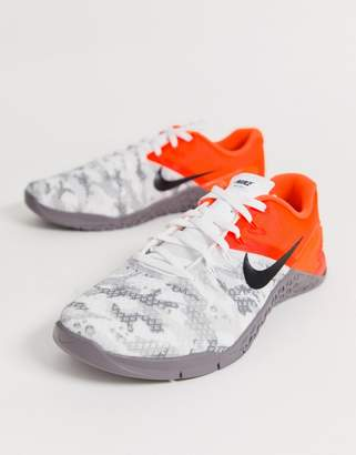 Nike Training metcon 4 sneakers in white camo