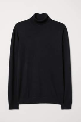 H&M Merino Wool Turtleneck Sweater