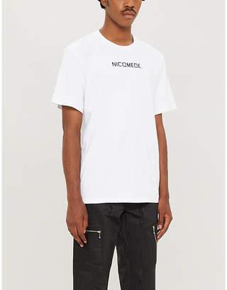 NICOMEDE.UNIFORM pleated-back logo-print cotton-jersey T-shirt