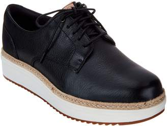 Clarks Artisan Leather Lace up Shoes - Teadale Rhea