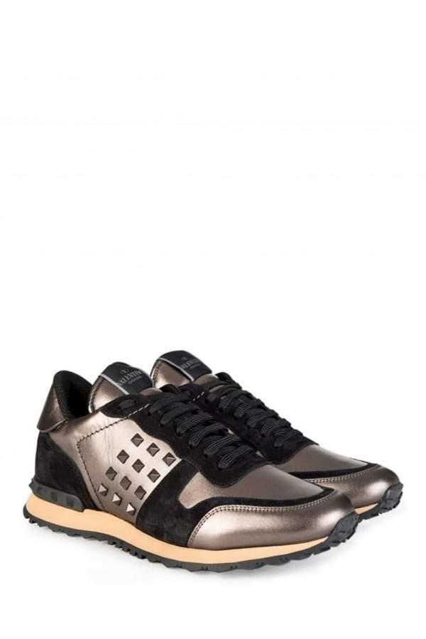 MetallicRockStudSneaker