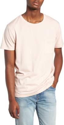 Levi's Slim Fit Pocket T-Shirt