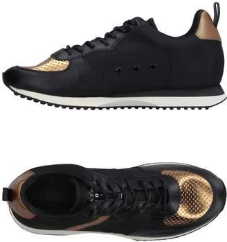 Leather Crown Low-tops & sneakers - Item 11223964AH