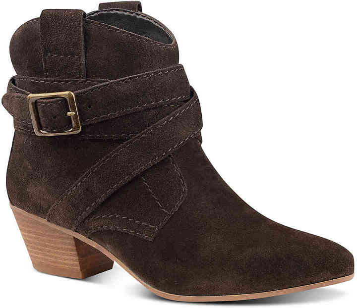Nine West Women's Nine West Lairah Western Bootie -Brown