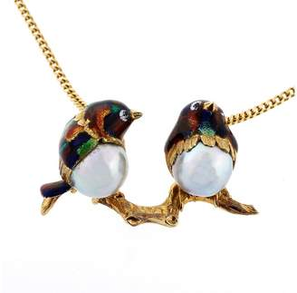 18K Yellow Gold & Enamel with Grey Pearl Love Bird Pendant Vintage Mid-Century Necklace