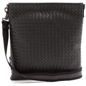 Bottega Veneta Intrecciato Leather Cross Body Bag - Mens - Black