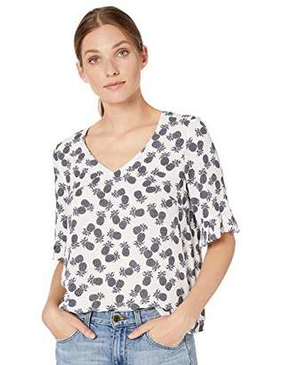 d22a1e3dcd2f1c Nine West Women's Half Ruffle Bell Sleeve V-Neck Printed Blouse