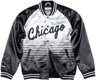 8348169c5773b6 Mitchell   Ness Men Chicago Bulls Concord Colletion Satin Jacket