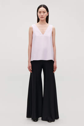Cos LOW V-NECK PLEATED TOP