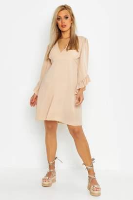 b83ab69d2701 boohoo Plus Ruffle Flare Sleeve Skater Dress