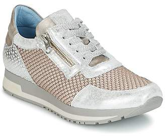 Dorking VRAI women's Shoes (Trainers) in Silver