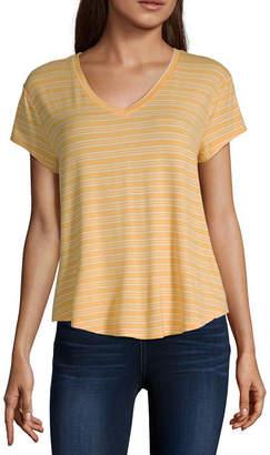 Arizona Womens V Neck Short Sleeve T-Shirt Juniors