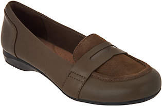 Clarks Leather Slip on Loafers -Kinzie Willow