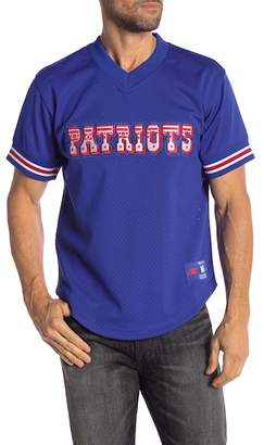 Mitchell & Ness NFL New England Patriots Mesh V-Neck Tee