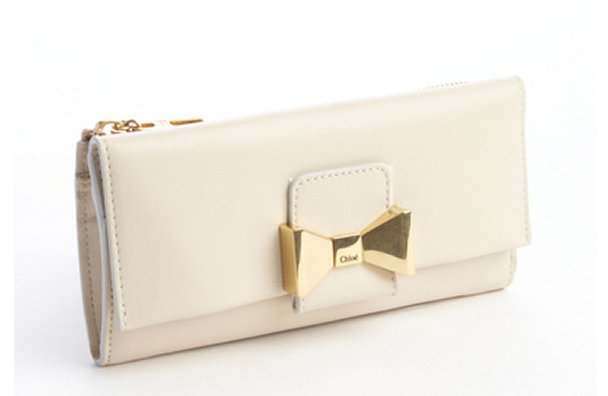 Chloé cream leather engraved bow detail zipper wallet