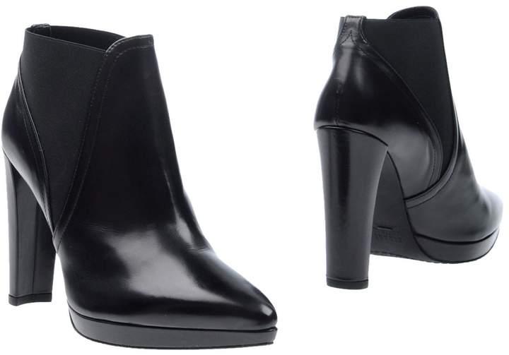 Stuart Weitzman Ankle boots - Item 11249243