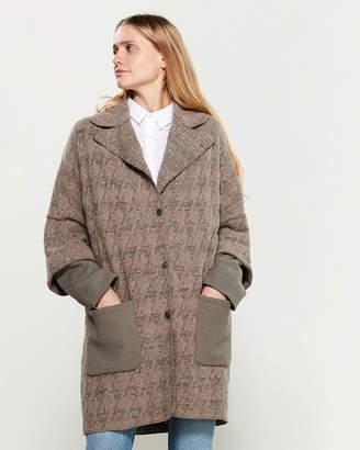 Tandem Pocket Long Sleeve Coat