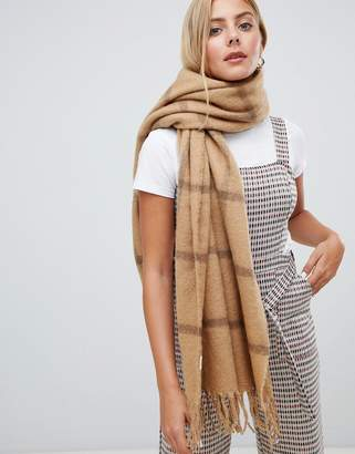 New Look Camel Grid Scarf