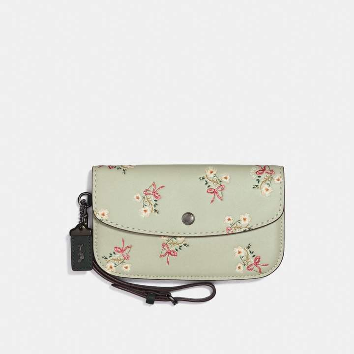 Coach New YorkCoach Clutch With Floral Bow Print - PALE GREEN/BLACK COPPER - STYLE