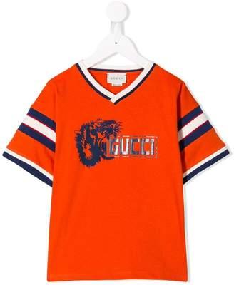 f599ef57bac6 Gucci Kids Lion print T-shirt