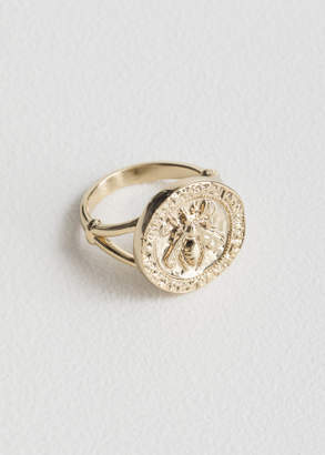 And other stories Bee Embossed Pendant Ring