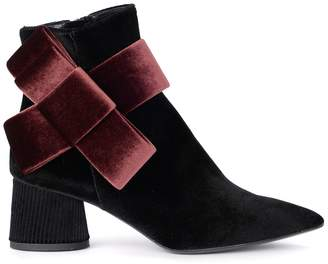 Tipe E Tacchi Black Velvet Ankle Boots With Wine Bow