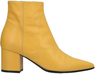 VIA ROMA 15 Ankle boots - Item 11671295GU