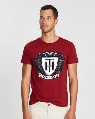 Tommy Hilfiger Crest Fashion Fit Tee