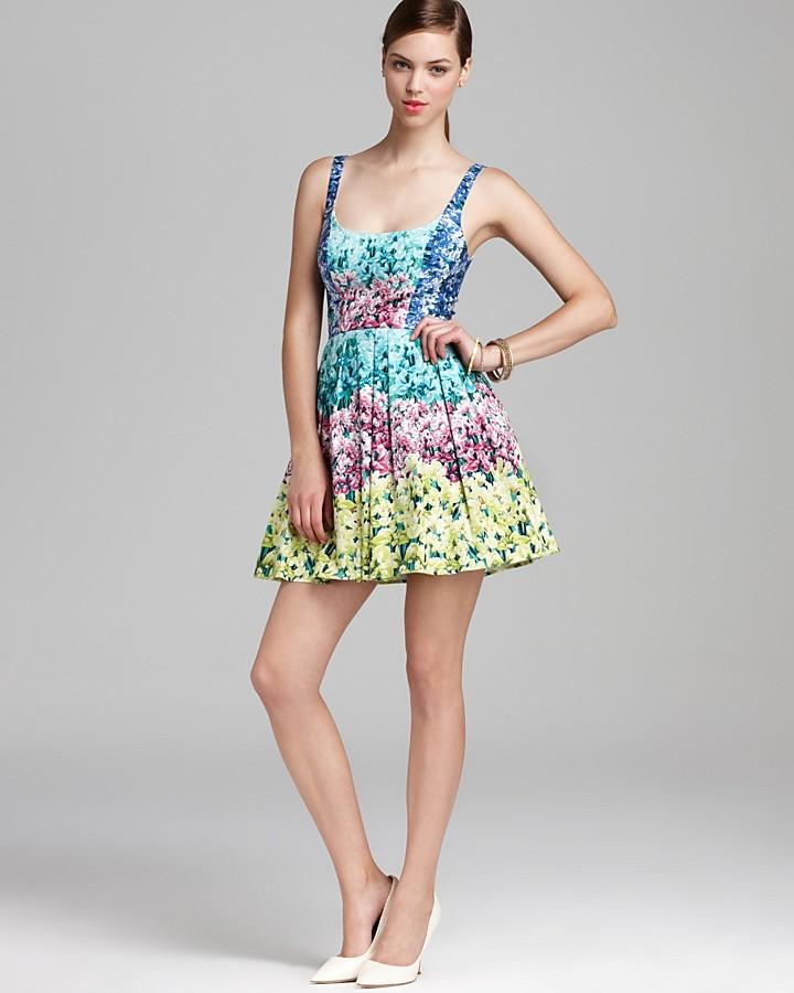 Dress - Sleeveless Floral Print