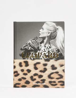 Books Leopard fashion's most powerful print book