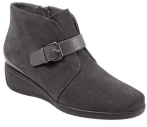 Trotters 'Mindy' Wedge Bootie