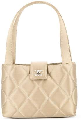 Chanel PRE-OWNED CC quilted logo handbag