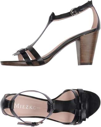 Miezko Sandals - Item 11200136