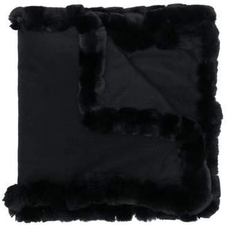 N.Peal fur trimmed scarf