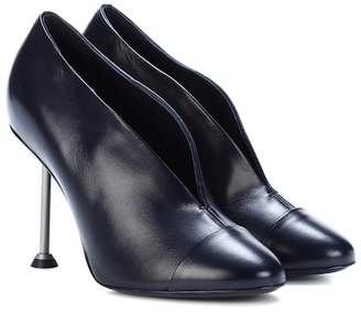 Victoria Beckham Pin leather pumps