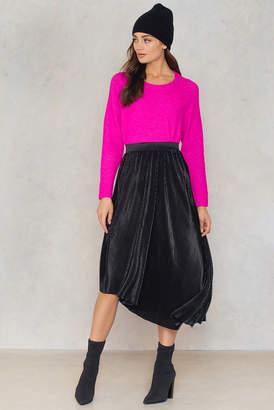 Na Kd Trend Pleated Asymmetric Midi Skirt