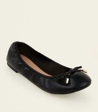 6883bda4 New Look Wide Fit Black Bow Front Elasticated Ballet Pumps