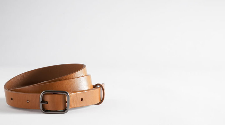 The Osa Skinny Classic Leather Belt