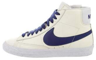 Nike Round-Toe High-Top Sneakers