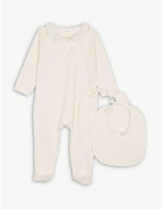 Chloé Sleepsuit & bibs giftbox set 1-9 months