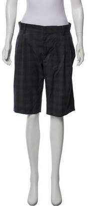 6397 Knee-Length Plaid Shorts